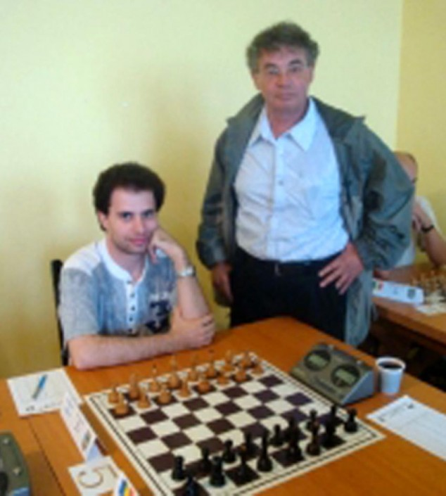 Tratatovici Dan si Monel [from youngchess.ro fide_photo]